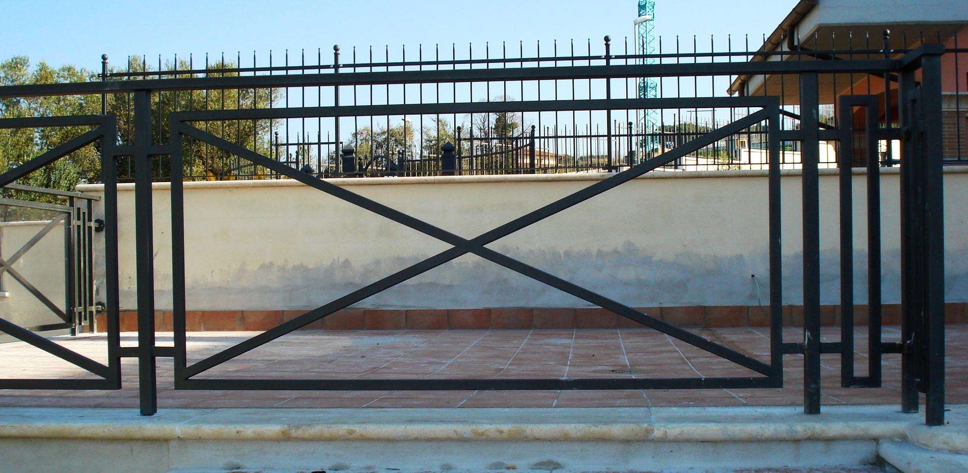 Ringhiere perucca serrande - Ringhiere in ferro battuto per balconi esterni ...